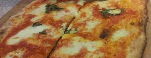 Napoletani D.O.C. Restaurant & Pizzeria is one of Pizzas de Barcelona.