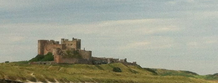 Bamburgh Beach is one of Lugares favoritos de Carl.