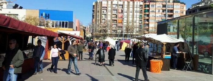 Plaça Francesc Macià is one of Григорий 님이 좋아한 장소.