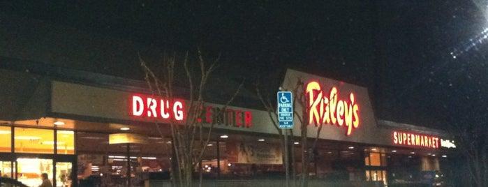 Raley's Pharmacy is one of Danny'ın Beğendiği Mekanlar.