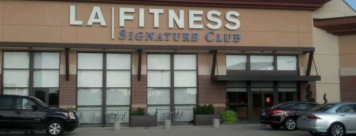 LA Fitness is one of Ashley'in Beğendiği Mekanlar.