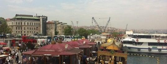 Tarihi Eminönü Balık Ekmek is one of İstanbul Yemek Turu :).