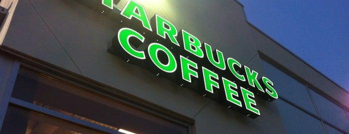 Starbucks is one of Locais curtidos por Kelly.
