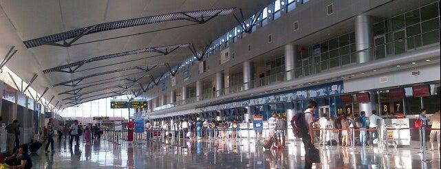 Da Nang International Airport is one of Free WiFi Airports 2.