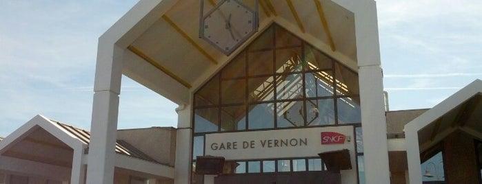 Gare SNCF de Vernon is one of สถานที่ที่ Miguel ถูกใจ.