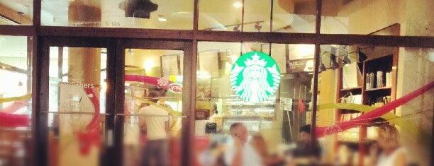 Starbucks is one of Lieux qui ont plu à Fernando.