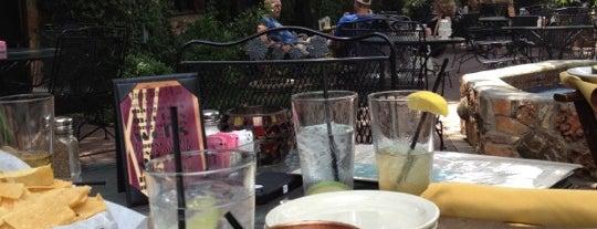 Palmer's Restaurant, Bar, & Courtyard is one of Macey 님이 저장한 장소.