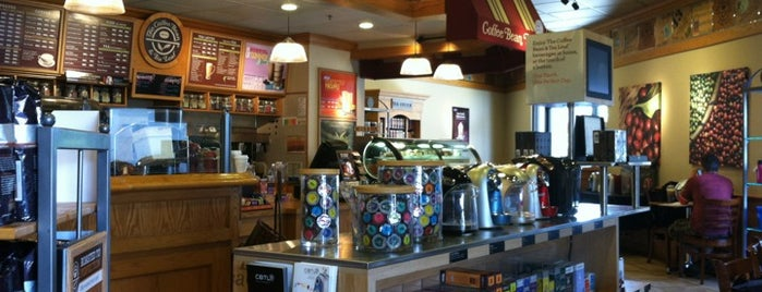 The Coffee Bean & Tea Leaf is one of Ann : понравившиеся места.