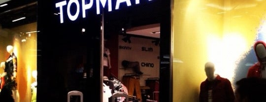 Topman is one of Por ai... em Santiago (Chile).
