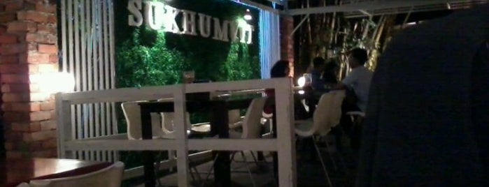 Sukhumvit Restaurant is one of Lieux sauvegardés par sh.
