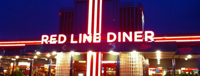 Red Line Diner is one of Tempat yang Disukai MSZWNY.