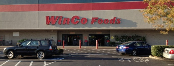 WinCo Foods is one of Locais curtidos por John.