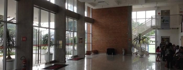 Teatro SESI is one of Vinie 님이 좋아한 장소.