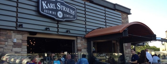 Karl Strauss Brewery & Restaurant is one of Tempat yang Disukai Let.