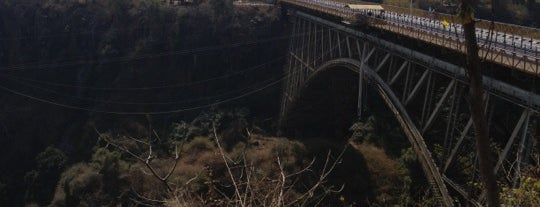 Victoria Falls Bridge Bungee Jumping is one of Zambiya Victoria Selalesi.