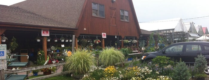 Heaven Hill Farms is one of สถานที่ที่บันทึกไว้ของ Cassie.