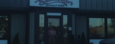 Sweetwater's Donut Mill is one of Favorite Restaurants.
