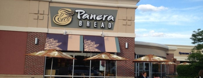 Panera Bread is one of Robbie'nin Beğendiği Mekanlar.