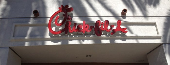Chick-fil-A is one of Orte, die Cristina gefallen.