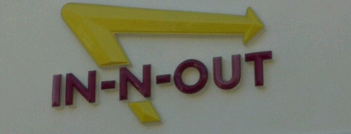 In-N-Out Burger is one of Tempat yang Disukai Joey.