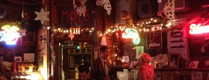 Dirty Frank's is one of Anthony Bourdain's The Layover in Philly.