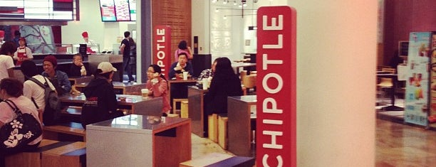 Chipotle Mexican Grill is one of Orte, die David gefallen.