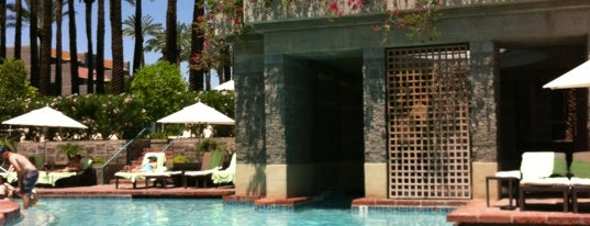 Hyatt Regency Pool is one of Tempat yang Disukai Bonus.