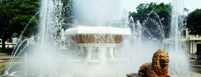 Plaza de Ponce (Plaza Las Delicias) is one of Ponce #4sqCities.