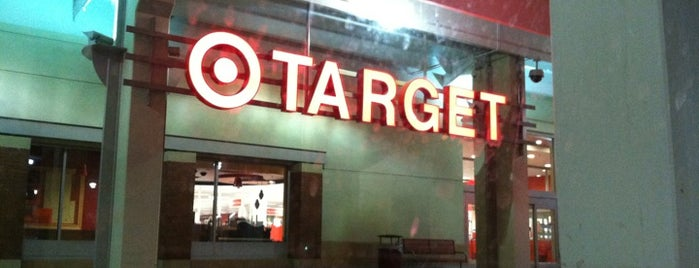 Target is one of Locais curtidos por Kimberly.