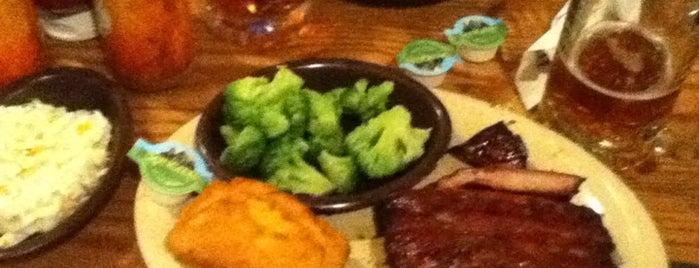 Sonny's BBQ is one of Gespeicherte Orte von Lizzie.