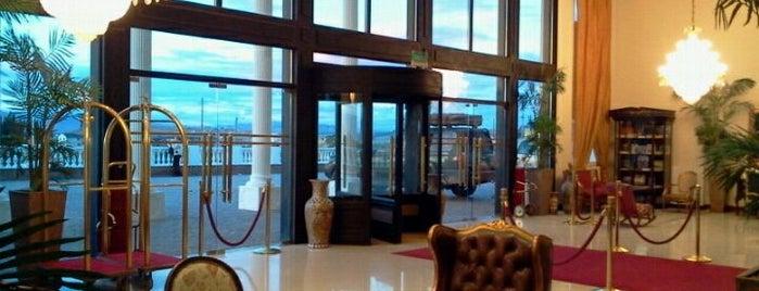 Patagonia Park Plaza Unique Hotel El Calafate is one of สถานที่ที่ Veronica ถูกใจ.
