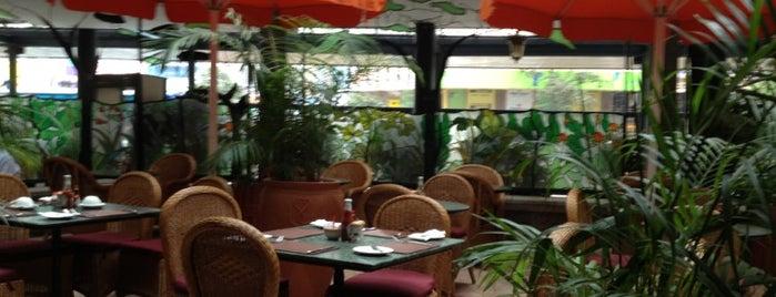 Thorn Tree Restaurant is one of Kiymet 님이 좋아한 장소.