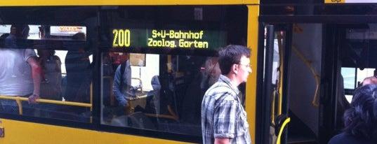 Linie 200 Zoologischer Garten - Michelangelostraße is one of Testen: Ausflüge.
