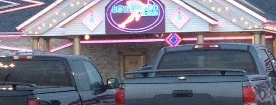 Hollywood Showclub is one of Orte, die Bethany gefallen.