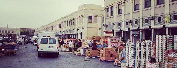 Los Angeles Wholesale Produce Market is one of Tempat yang Disukai Karla.