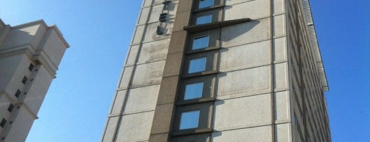 Hotel Ibis is one of Tempat yang Disukai Káren.
