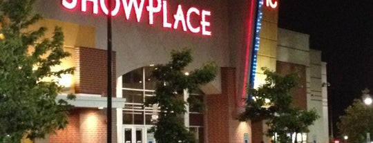AMC Showplace Galewood 14 is one of Faves Places.