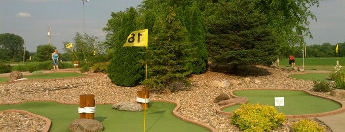 West Grand Golf is one of Evan[Bu] Des Moines Hot Spots!.