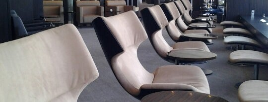 First Class Lounge is one of Hideo 님이 좋아한 장소.