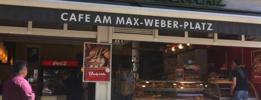 Cafe am Max-Weber-Platz is one of Orte, die Memetcan gefallen.