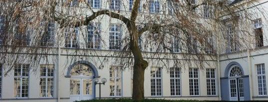 UGent - Faculteit Recht en Criminologie is one of UGent.