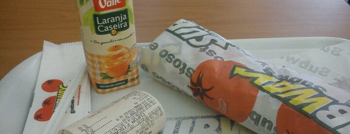 Subway is one of Lugares....