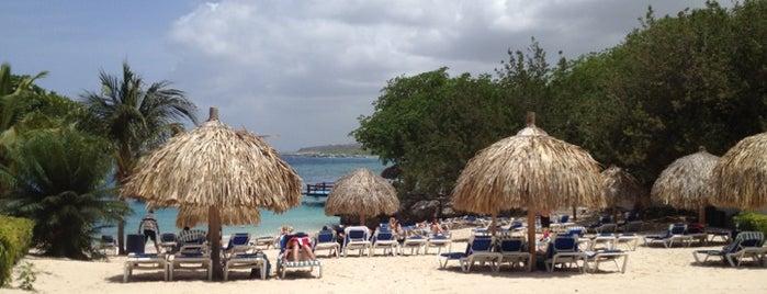 Hilton Beach is one of Beth'in Beğendiği Mekanlar.