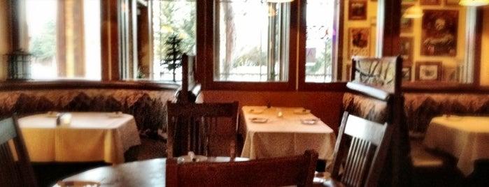 Nottinghams Restaurant and Tavern is one of Carlos'un Beğendiği Mekanlar.