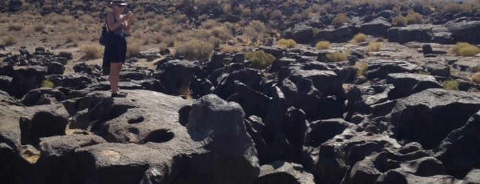 Fossil Falls is one of Desert Places.