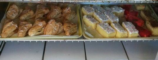Boqueron Bakery is one of สถานที่ที่ Manuel ถูกใจ.
