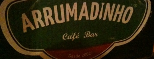Arrumadinho Café Bar is one of Kárenさんのお気に入りスポット.
