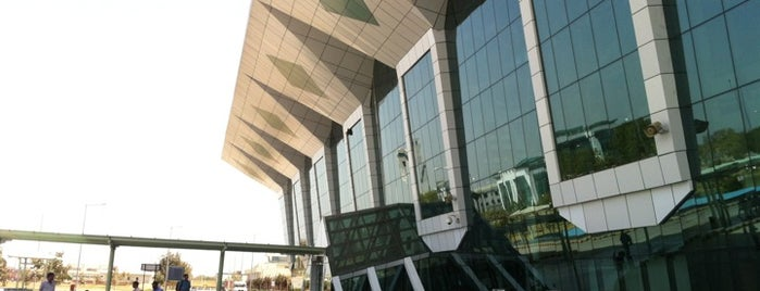 Maharana Pratap Airport (UDR) is one of Dave 님이 좋아한 장소.
