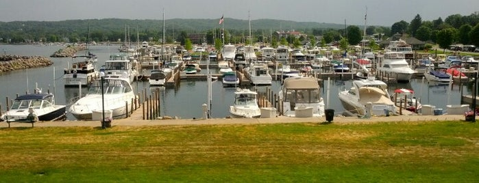 The Harborage Marina - Boyne City is one of 🌺Chaleneさんの保存済みスポット.