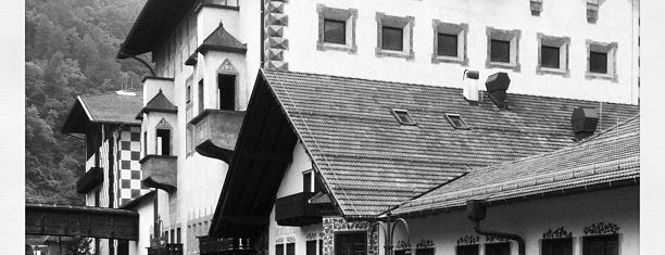 Brauerei/Birreria Forst - Bräustüberl Forst - Braugarten/Giardino Forst is one of Lugares guardados de Daniela.